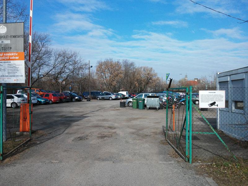 Közterület -fenntartók őrzött parkolója
