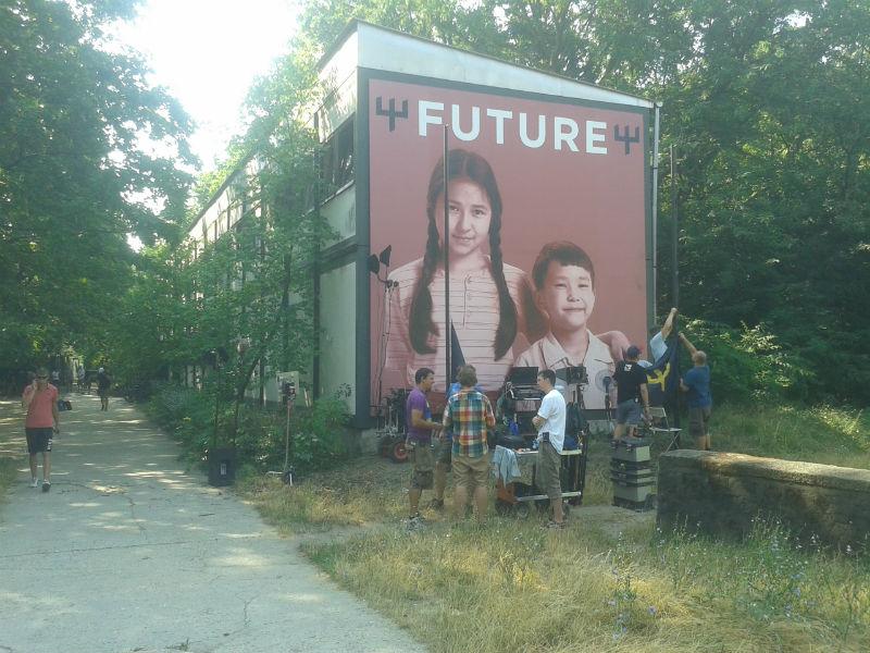 """""""FUTURE"""" A stáb felvonja a lobogót."""